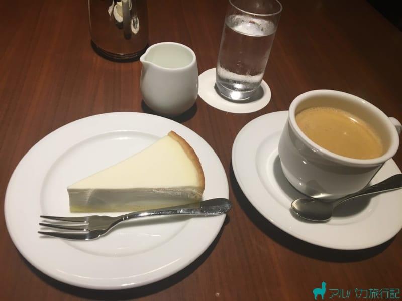 萬來舍のチーズケーキ。美味しい。